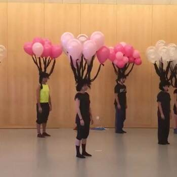 balloon art with dancing
