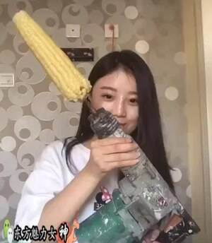 eating corn in a hurty