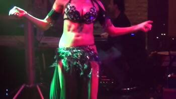 Very intense belly dancing flutters