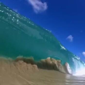 Wave crashing in slow motion