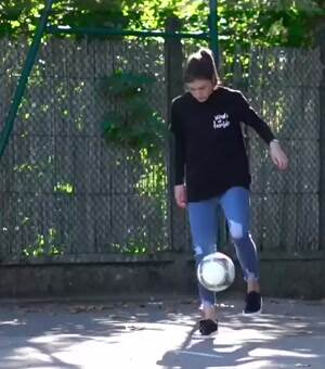 This girl has some skills