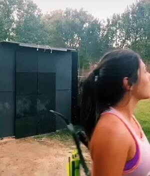 Chick can shoot
