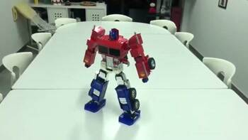 Optimus Prime dance off